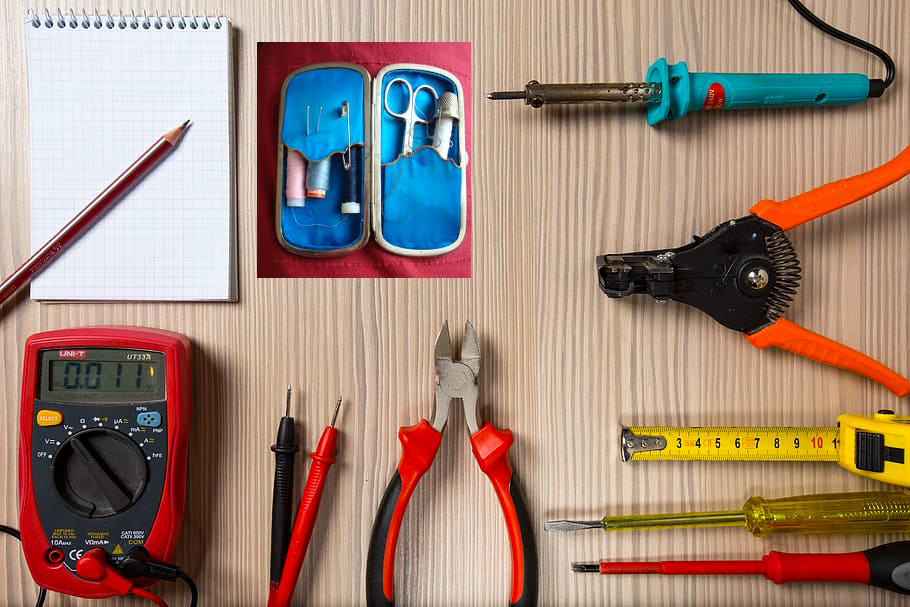 tool-tester-screwdriver-soldering-iron