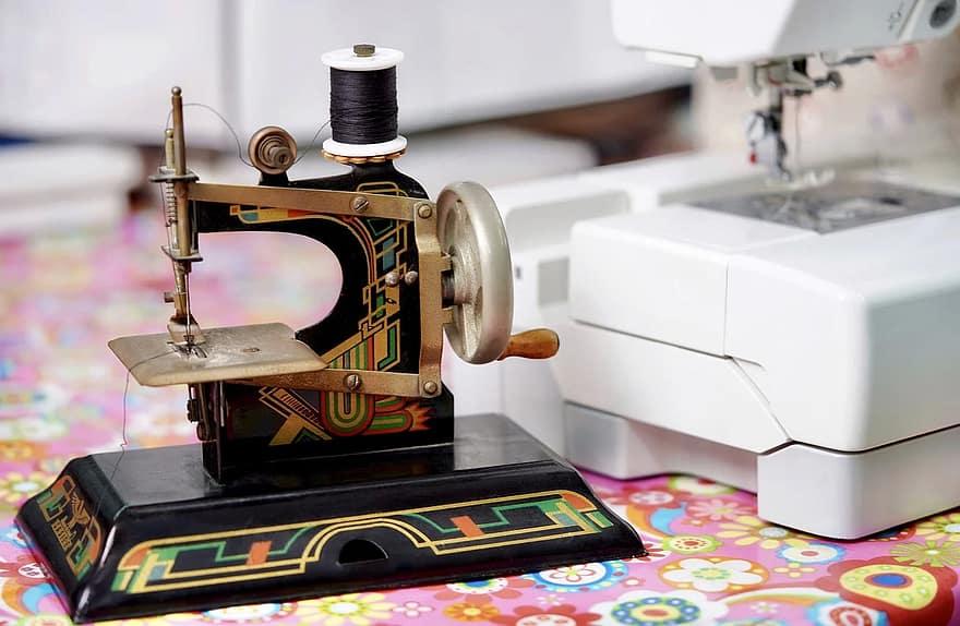 hobby-sew-child-girl-sewing-machine-children-s-sewing-machine-old-children-toys